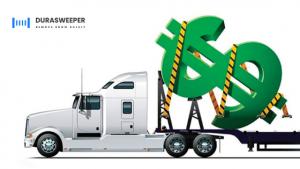 Durasweeper-lumenpoistojärjestelmä poistaa lumen kuorma-autojen päältä ja säästää kuljetusyritykselle tuhansia euroja kuukaudessa vähentämällä seisokkiaikaa.